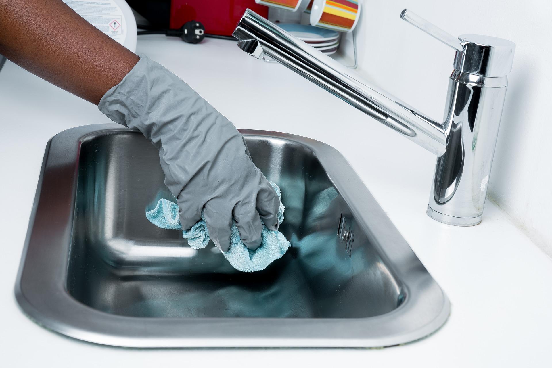 Kako enostavno očistimo vodni kamen?